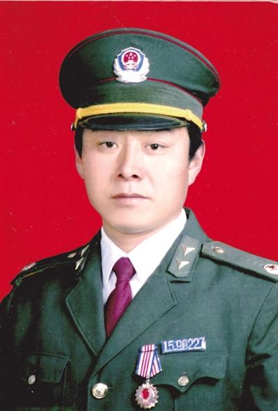 人民警察白木仁:和平年代依旧不惧刀枪炸药