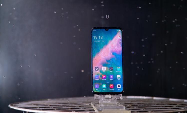 "将5G""藏""进4G,国内首款开售5G手机的轻薄秘籍"
