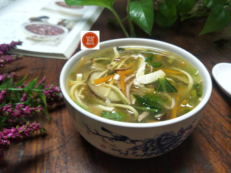 家常版酸辣汤做法,促消化,增食欲,早起烧一锅,一次能喝2大碗