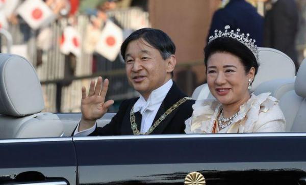 """日本举行天皇""""祝贺御列之仪"""",""""即位之礼""""仪式全部完成_夫妇"""