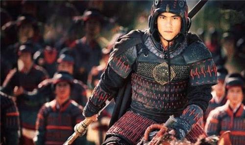 古时打仗,虎符可调动千军万马,难道皇帝就不怕将军造反吗?