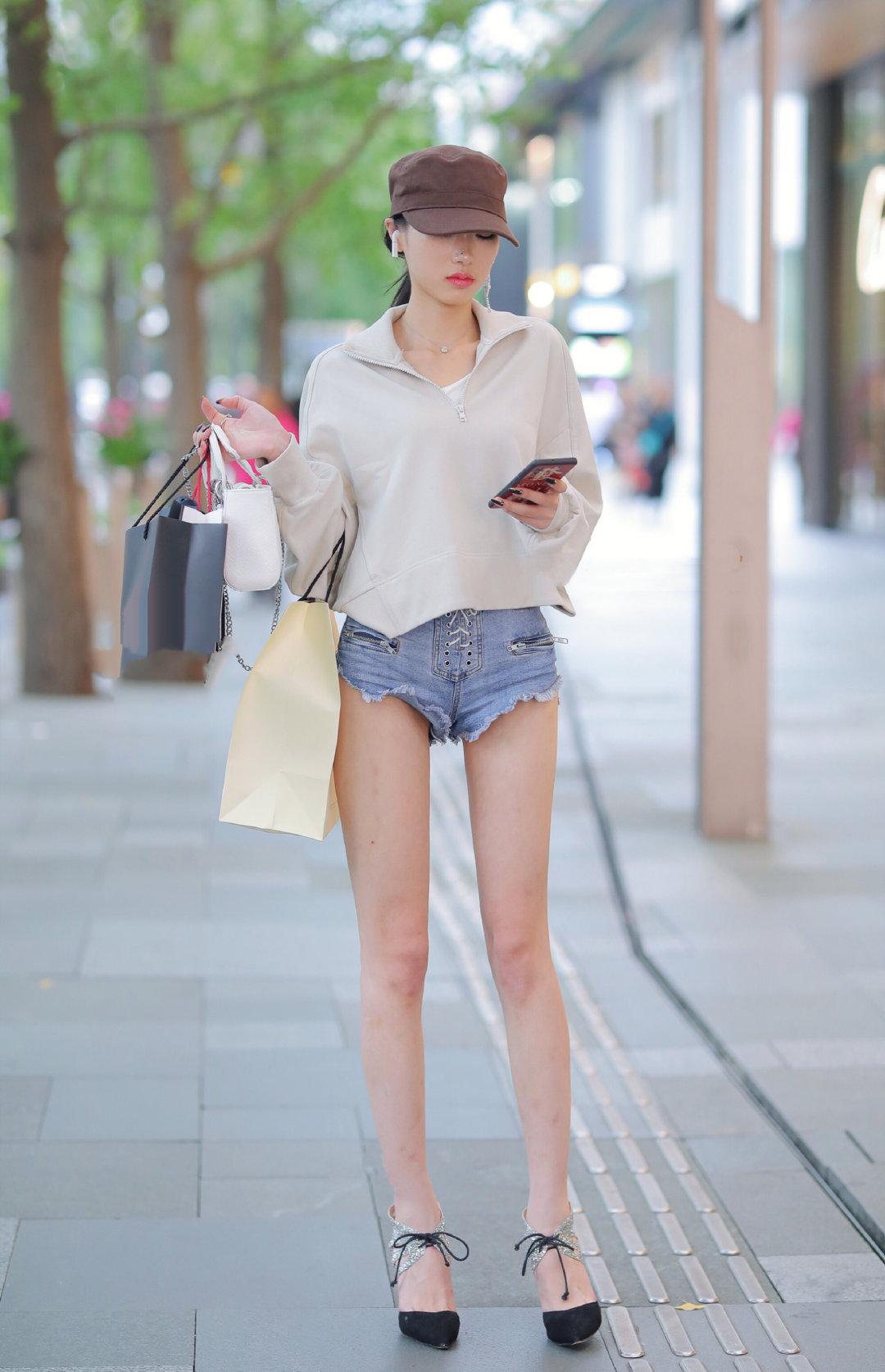 彩世界APP圈怪现象,一条短裤穿四