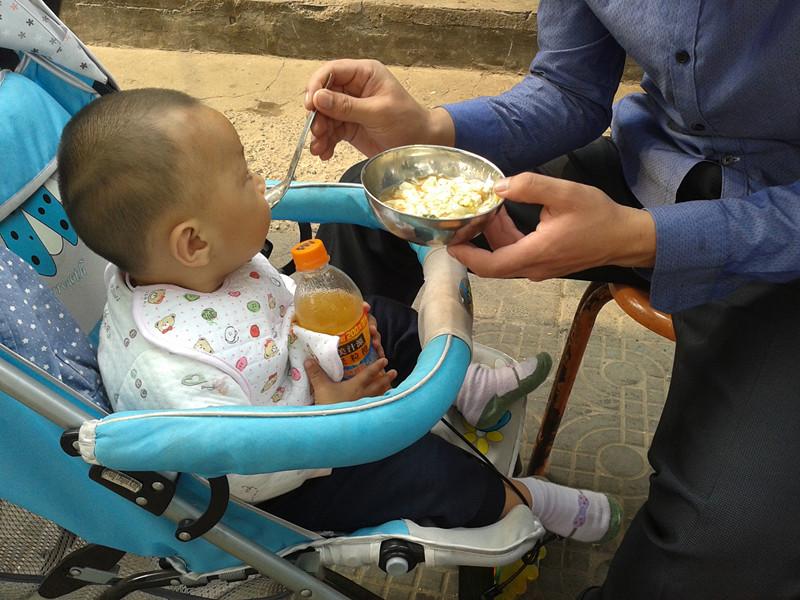 这碗粥让孩子脾虚两年没长个,医生:再爱孩子,这4种饭也别喂