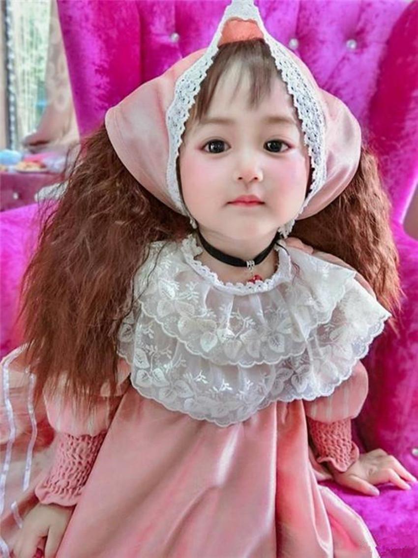 """三岁女童因太美而走红,被人误认为""""洋娃娃"""",没想到妈妈更美!"""