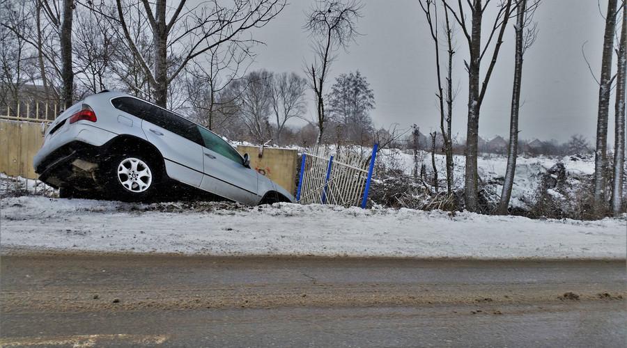 印度公交貨車相撞 公交車撞上貨車的理由讓人無語!