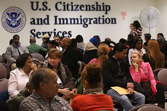 好消息!美国移民局减免移民申请费用新规,12月2日生效_Request