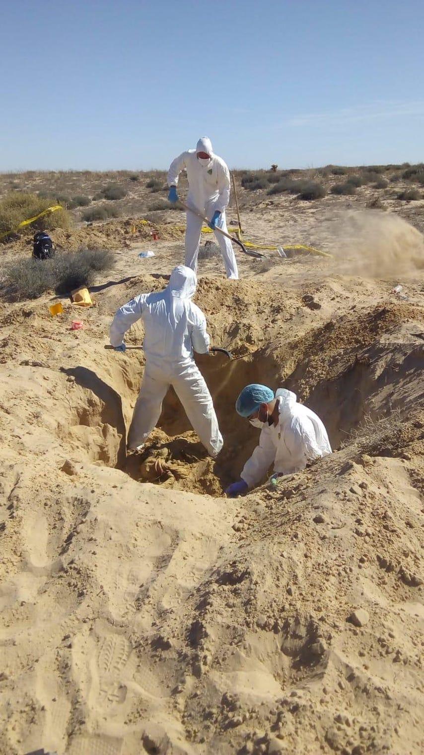 墨西哥度假胜地附近又挖出10具遗体受害者达52人