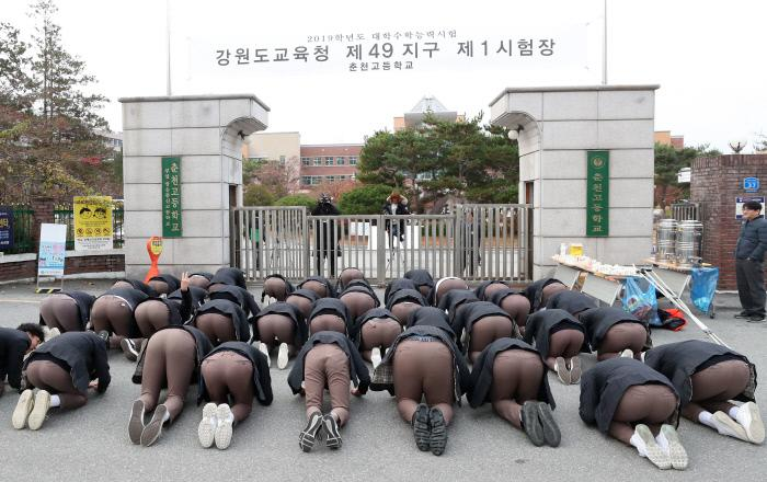 韓國人有多狂?大學高考英聽時段「全國飛機停機35分鐘」還派警察保護考卷!網:浮誇!