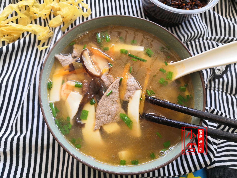 大鱼大肉都吃腻了,今天咱们做一道不一样的汤,超级鲜美解腻