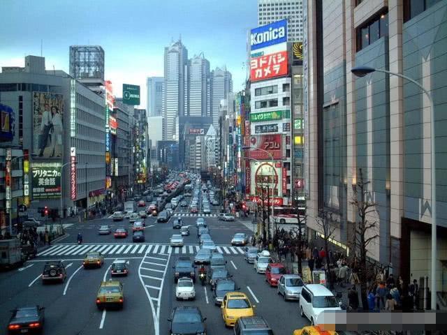世界人口密度_世界人口密度最大的国家,万人聚会念经抗新冠,但结果或适得其