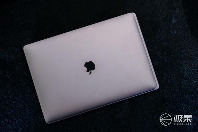 """設計""""倒退""""果粉力捧!蘋果史上最強全面屏MacBook發布,售價18999起"""