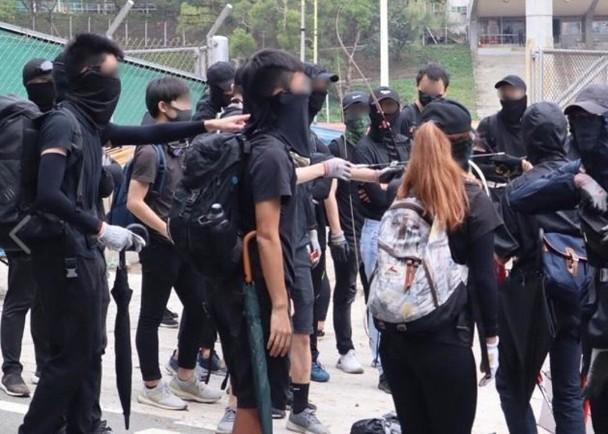 港中大学生会竟申请禁制令限制港警