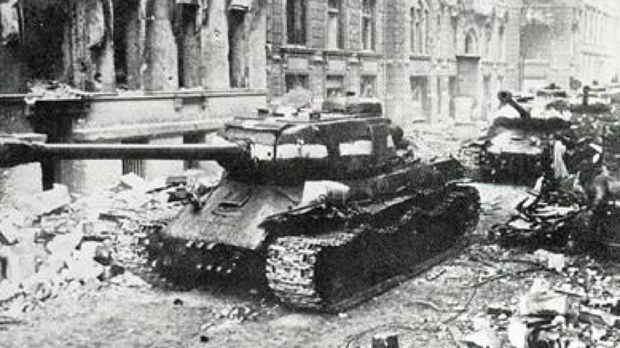 柏林会战有多惨烈?35万苏军倒在攻克柏林的前夜_苏联