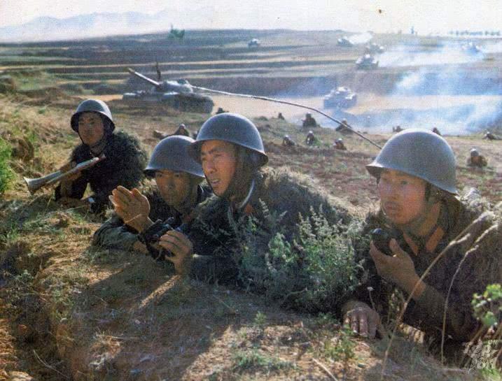 解放军炮兵群火力猛反应快,炮击41次摧毁越军62门大炮