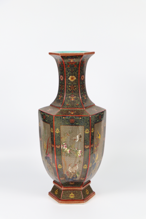 瓷中贵族珐琅彩——开光花卉描金祝寿盘口瓶