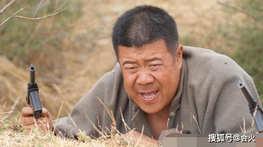 52岁秦卫东罕现身,和三婚妻子育有一子,儿子魁梧壮实也当演员! 作者: 来源:会火