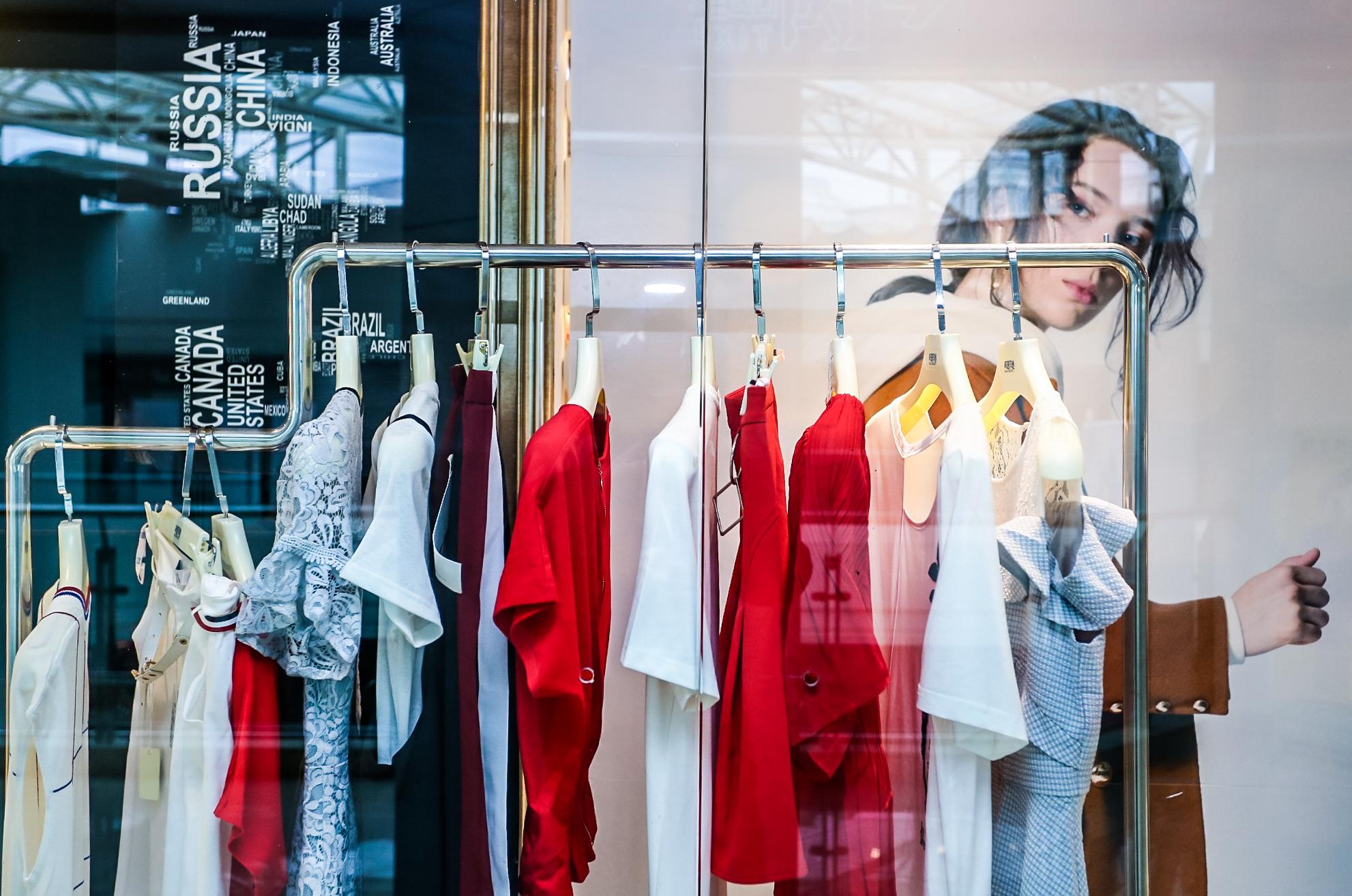 品牌折扣女装加盟 你创业的优先选择