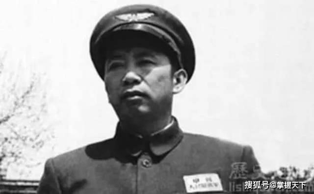 这位上将的追悼会办了三天, 各种高层齐聚, 他生前的功绩太卓著了_刘亚楼