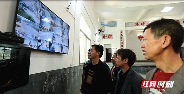 """桂阳:村民自筹为村里装上""""小眼睛"""""""