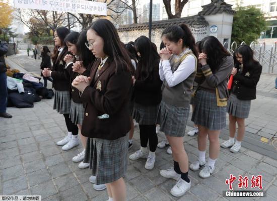 限制飞机起降等便利高考  韩国考生数同比减少_时间