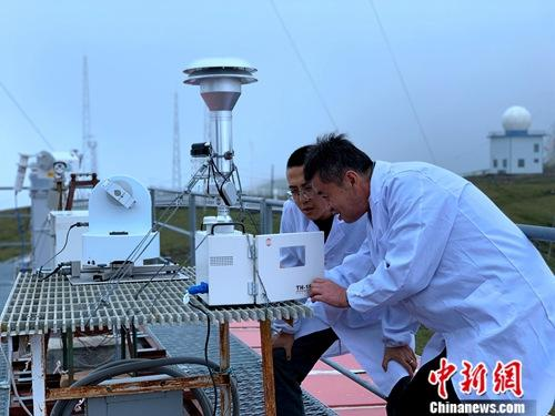 世界海拔最高大气本底台:在山巅测量地球温度_观测