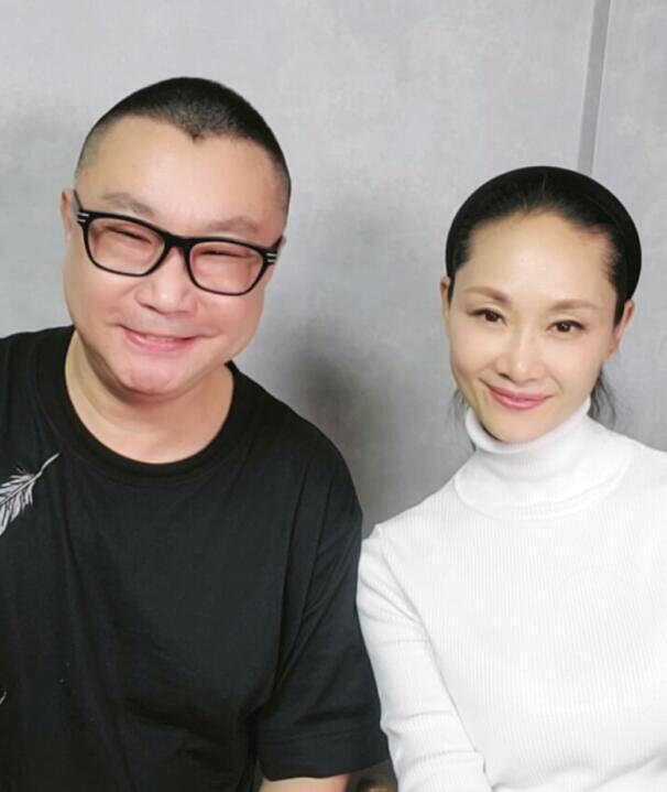 尹相杰和于文华合影太有夫妻相,50岁未婚5年不谈恋爱太心酸_李凡