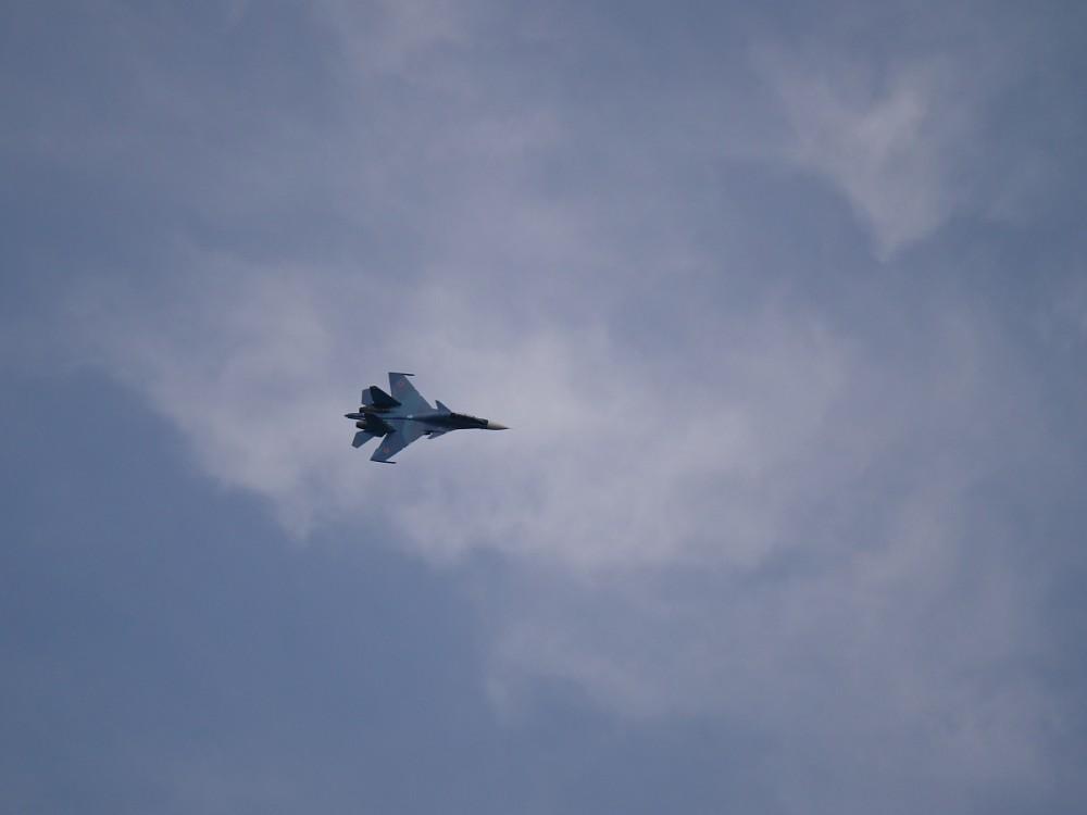 白俄罗斯接首批苏30SM战机 俄飞行员送货上门_航空