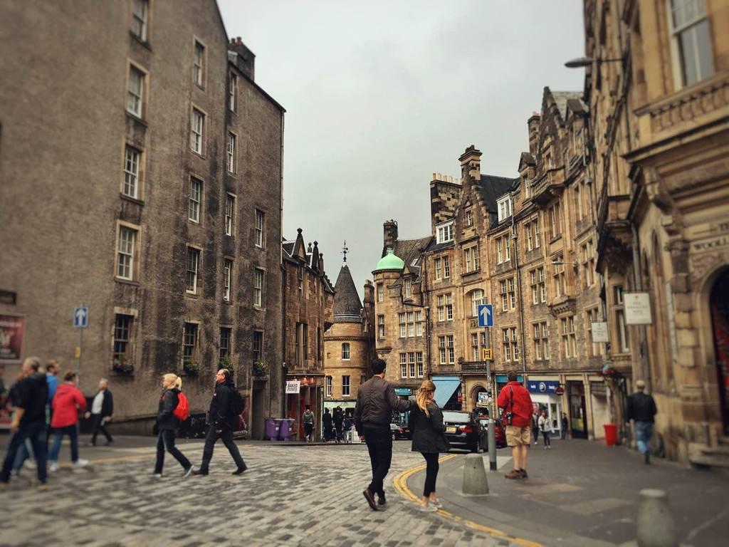爱丁堡人口_英国和欧洲,该投资谁