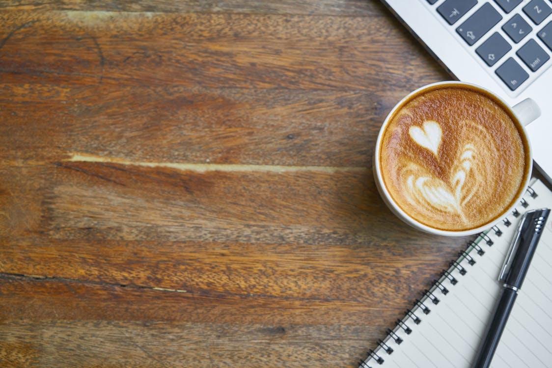 瑞幸咖啡前三季净亏损17.65亿元 禁售期结束股价何去何从_约合