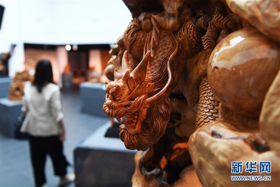 台湾举办木雕艺术联展