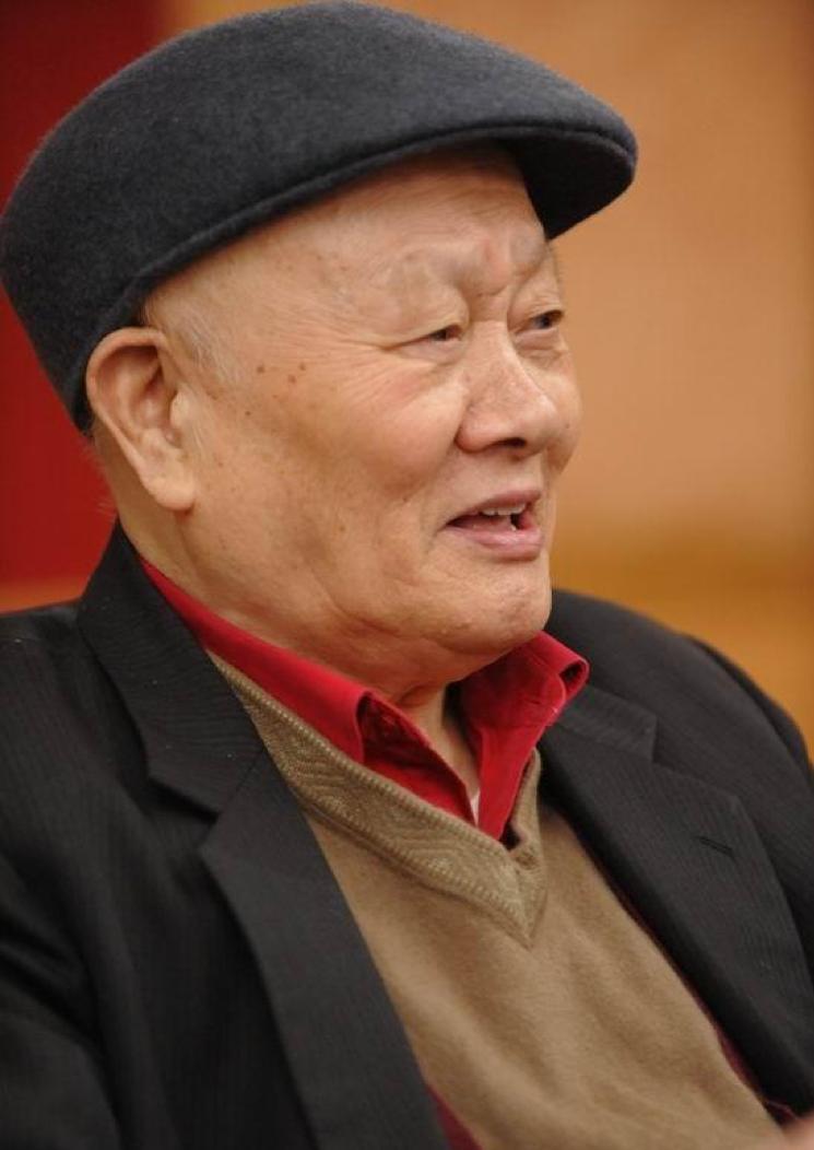 中國第一剪刀手傅正義病逝,曾剪過《三國演義》《紅樓夢》