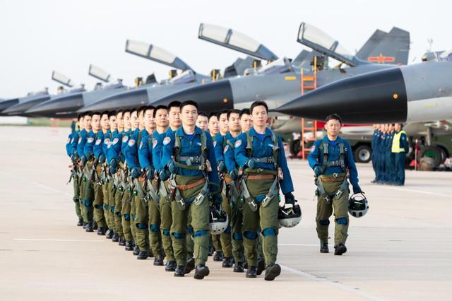 美国眼中的强国空军,亚洲大国与事实严重不符,榜单排名无法接受_美国空军
