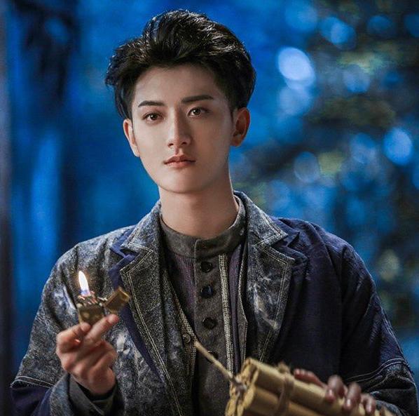 《热血少年》黄子韬演技获赞,他能否成为归国四子的演技担当