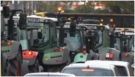 抗议新环境法规,德国农民把约4000辆拖拉机开上街_no