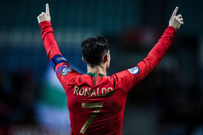 欧预赛-C罗帽子戏法曼城大将传射 葡萄牙6-0大捷_中欧新闻_欧洲中文网