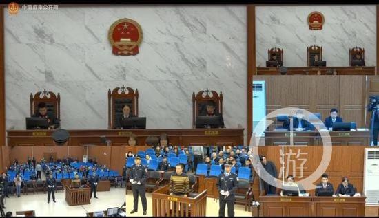 """""""辽宁残疾按摩师反杀案""""开庭,检方:被告防卫过当"""