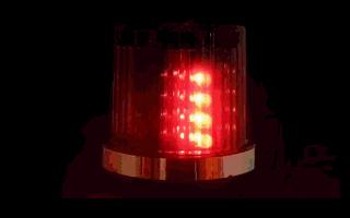 貴州一男子在車上私裝警燈  被罰 1000 元!_燈具