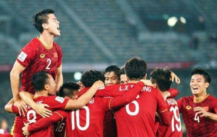 最惨种子队!亚洲第6输完泰国输越南,4战仅积6分比国足还惨_越南队
