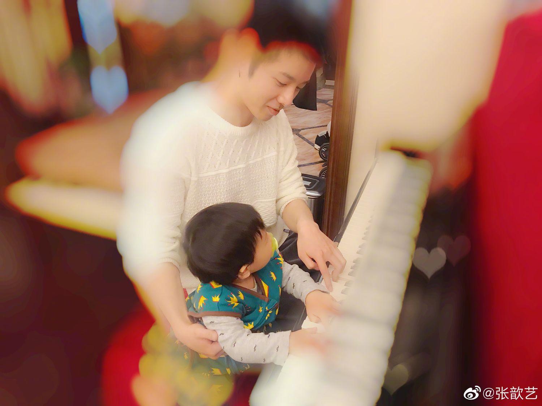 为ET们火热的内心切换模式 华晨宇陪外甥弹琴画面好温馨