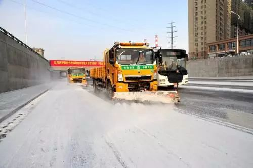 牡丹江市政道路清雪工作全面就位