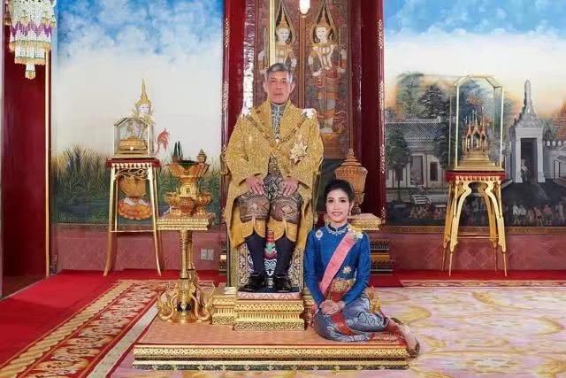 泰王和天皇差不多,泰国王妃敢不忠,日本皇后为什么从不出轨?