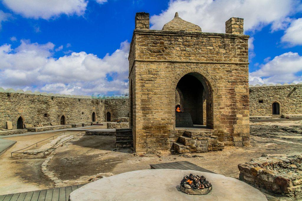从古迹到现代建筑,探秘阿塞拜疆的昨日与今天_老城