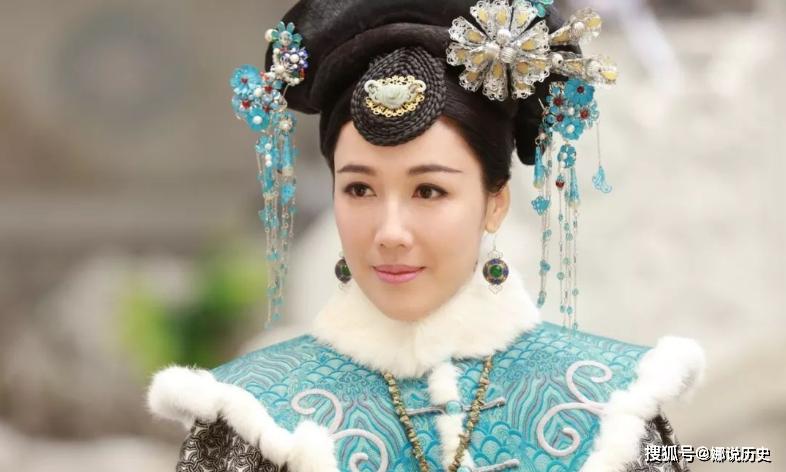 她贵为满清皇后,连生2位皇子,却助情敌儿子称帝,还活了74岁