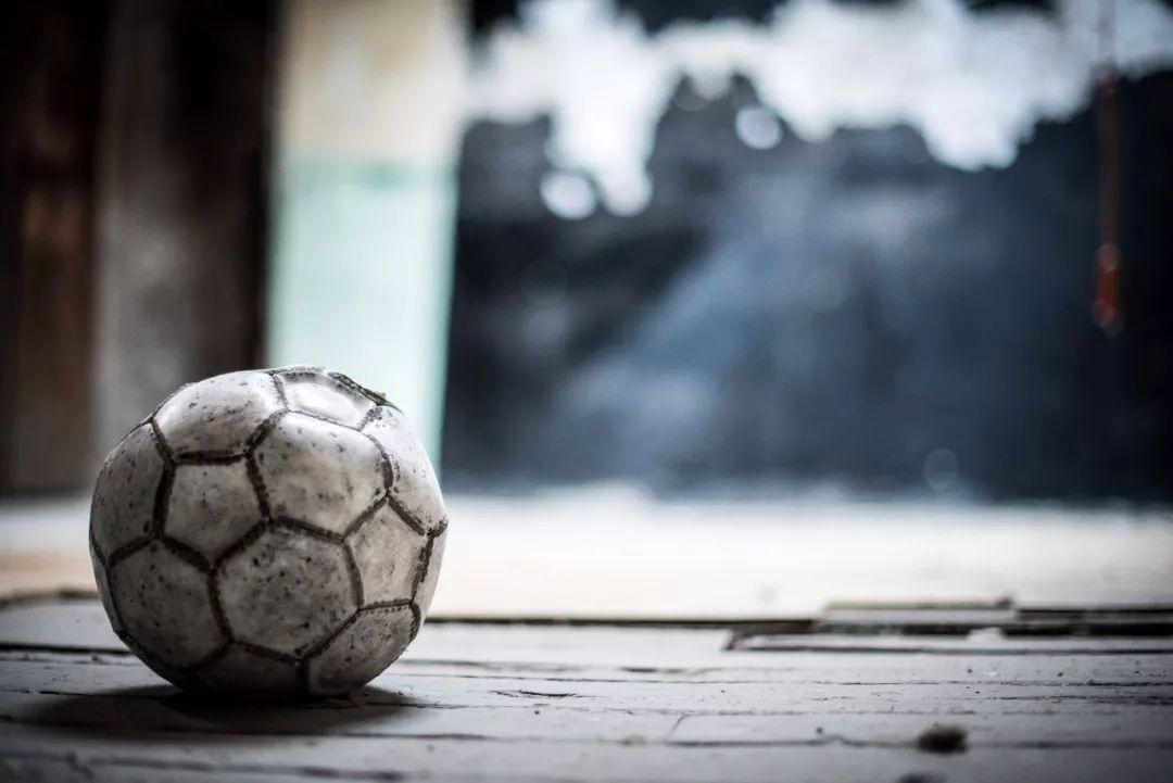 中国足球路在何方?从孔雀的尾巴和孟加拉雀的鸣叫中找找答案_生活