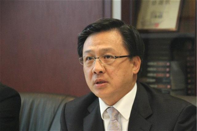 """何君堯再吁""""同心協力"""":18萬香港公務員攜手合作效率肯定會高_專訪"""