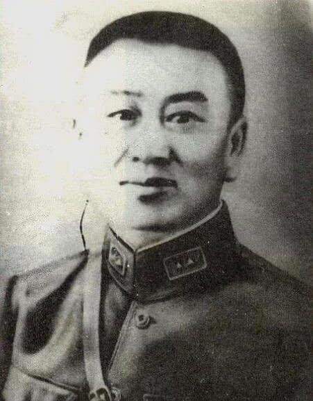 """抗战国军牺牲7位军长,其他6位都得嘉奖,仅他被扣""""汉奸""""帽子"""