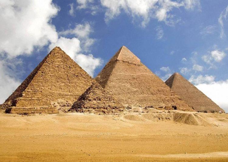 秘鲁金字塔造于四千多年前,为啥里面有清朝人尸体,真相令人心痛