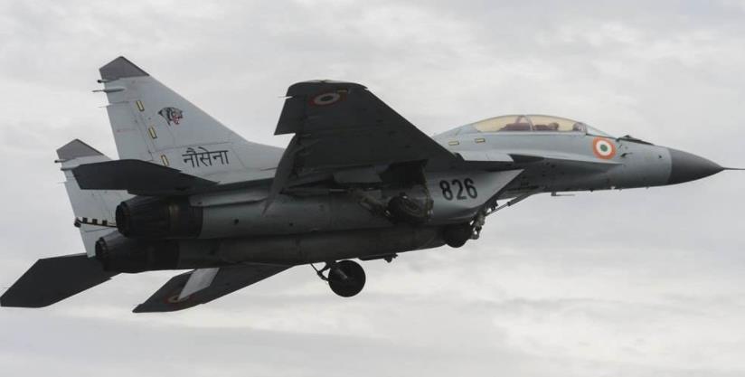 突发!一声巨响,一架格-29K硬生生坠毁, 2名飞行员命悬一线_坠机