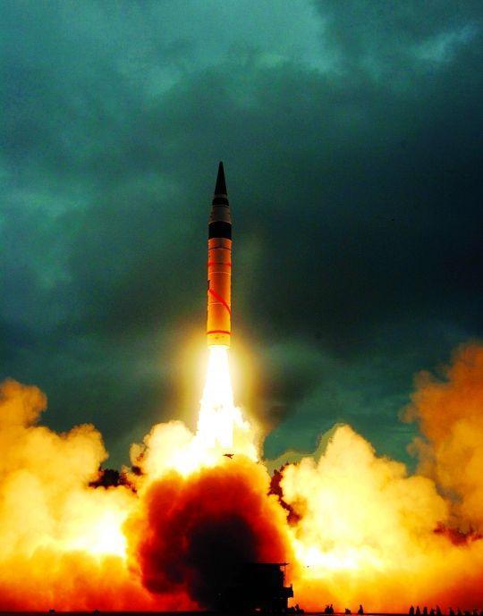 印度陆军首次进行夜间AGNI-II洲际弹道导弹试射,有何目的_烈火