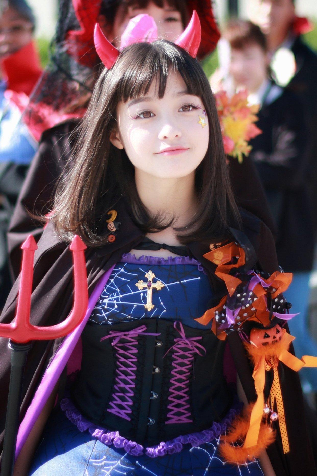 日本第一美少女橋本環奈大翻車,152cm穿公主裙似矮人,秒變矮肥壯_造型